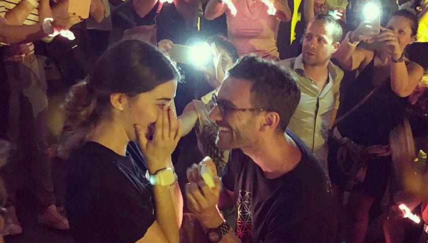 Le chiede la mano al concerto dei Coldplay sulla note di Fix You