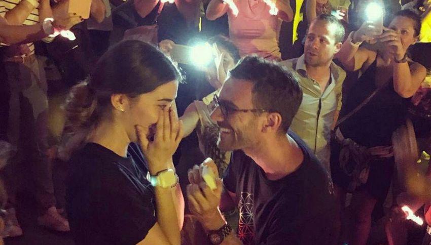 Le chiede la mano al concerto dei Coldplay sulla note di Fix You