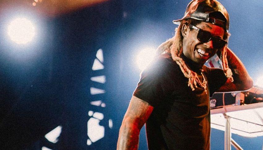 """La figlia di Lil Wayne ai fan """"Sta bene"""""""