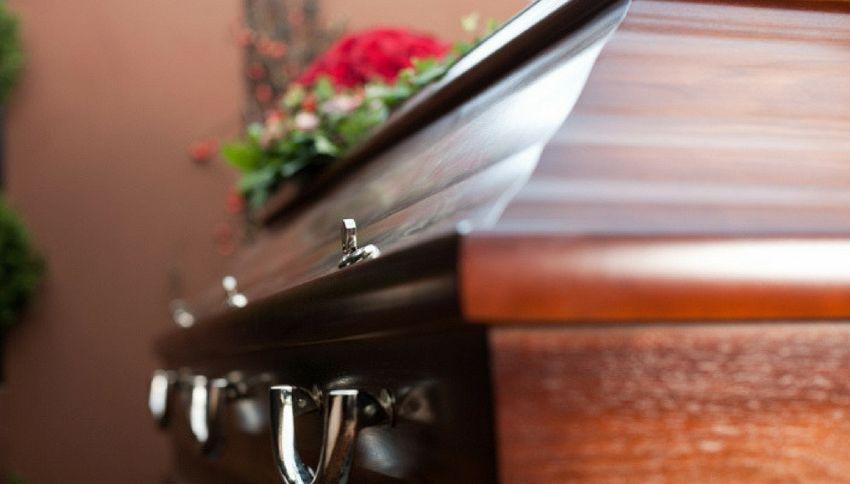 Perù, uomo si sveglia durante il suo funerale