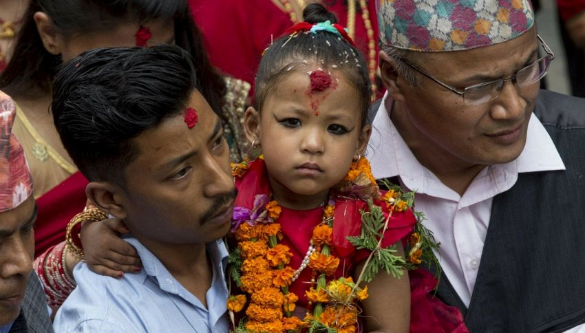 Trishna, proclamata dea vivente in Nepal a soli 3 anni