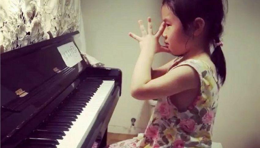 Anke Chen, 6 anni, la bimba prodigio che suona Bach divinamente