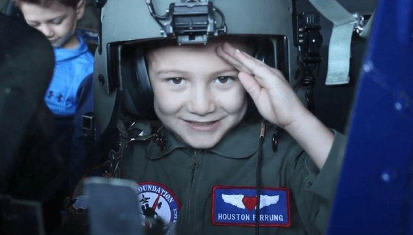 Usa, bimbi malati di leucemia diventano piloti per un giorno