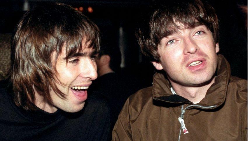 Oasis: Liam e Noel Gallagher hanno fatto pace (per ora)