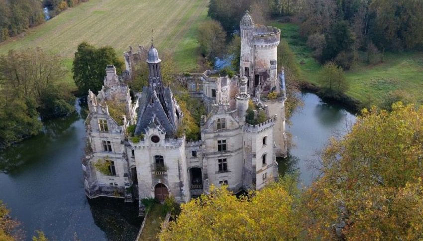 In Francia c'è un castello con 7400 proprietari