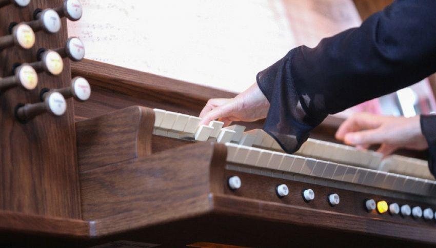 In chiesa come in disco: l'organista suona Gigi D'Agostino