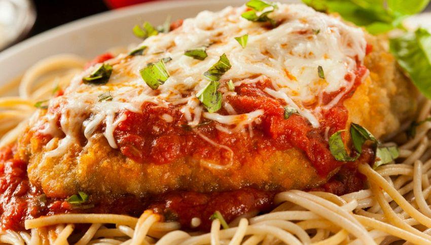 Pasta made in Italy? Ecco 13 strane ricette dall'estero