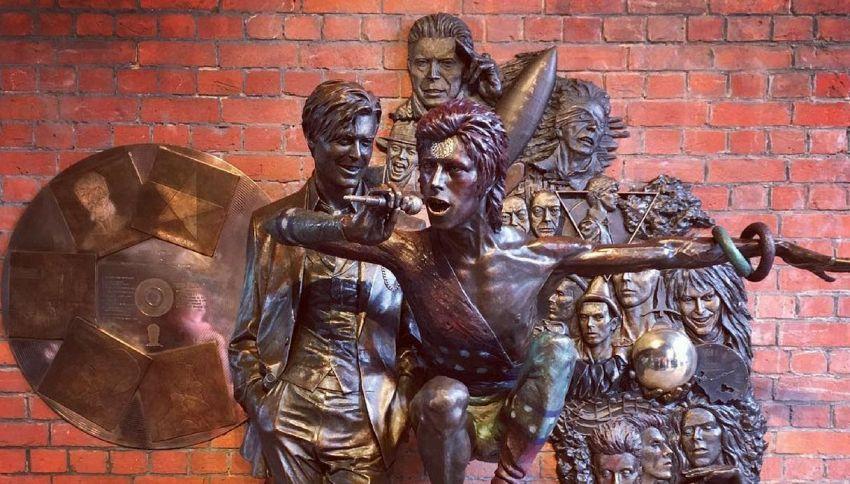 In Inghilterra è stata realizzata la prima statua di David Bowie