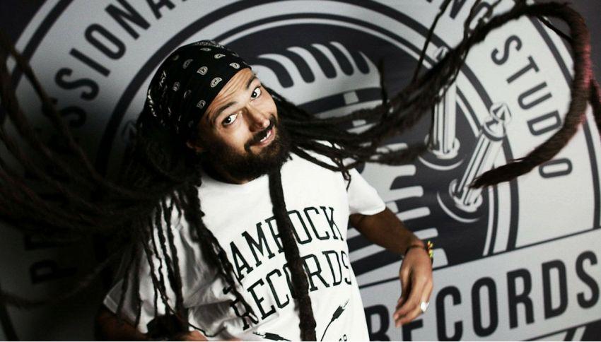 Chi è Ras Tewelde, il professore universitario star del reggae