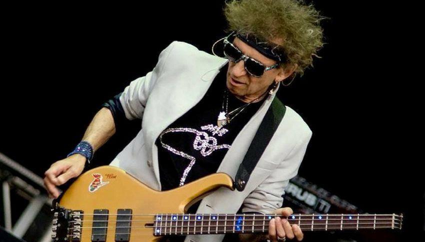 Chi è Claudio Golinelli, il bassista di Vasco Rossi