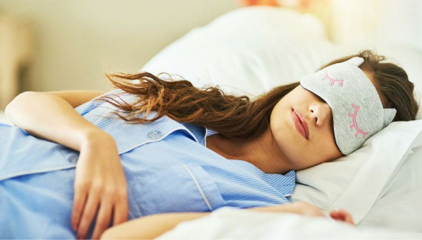 Chi dorme sino a tardi nel week end vive più a lungo