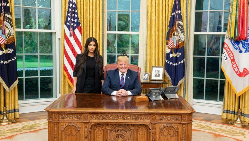 Che ci fa Kim Kardashian alla Casa Bianca?