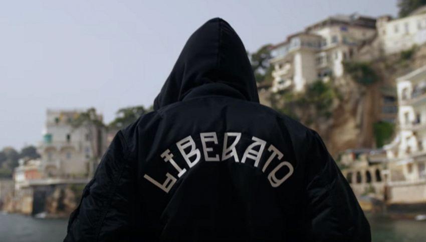9 maggio 2018: un anno di Liberato, il cantante senza volto