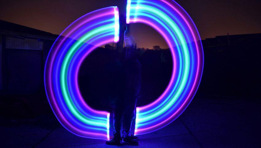 Light Painting, ecco come creare opere d'arte con la luce