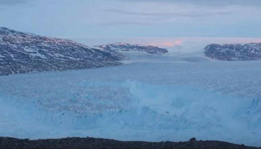 Ecco perché un iceberg bello grosso si è staccato in Groenlandia