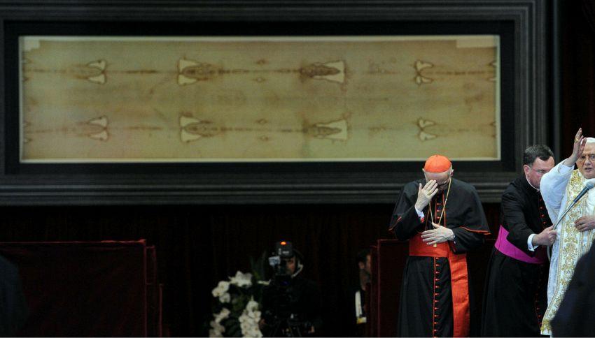 Le macchie sulla Sacra Sindone potrebbero non essere vere