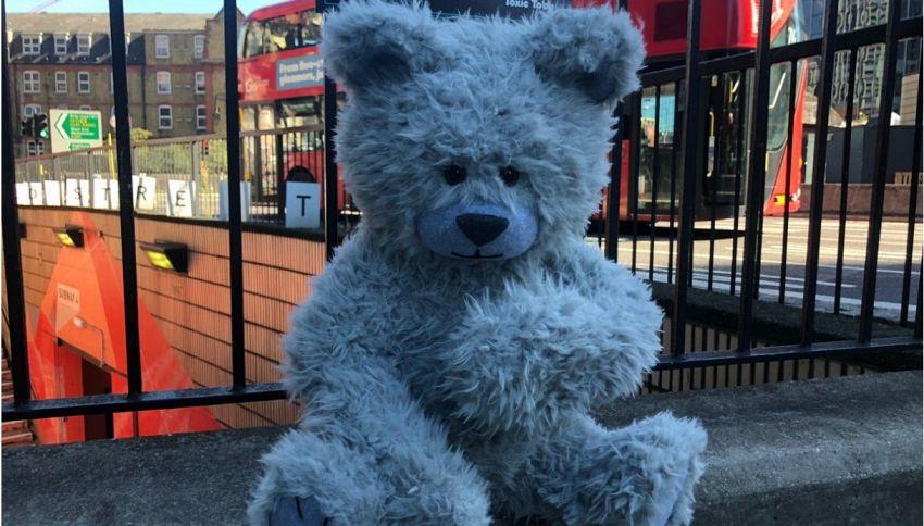 Toxic Toby, l'orsacchiotto che ci salverà dall'inquinamento