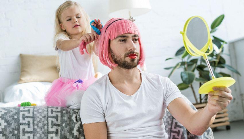 Cosa non si fa per i figli: le pazze foto di un papà