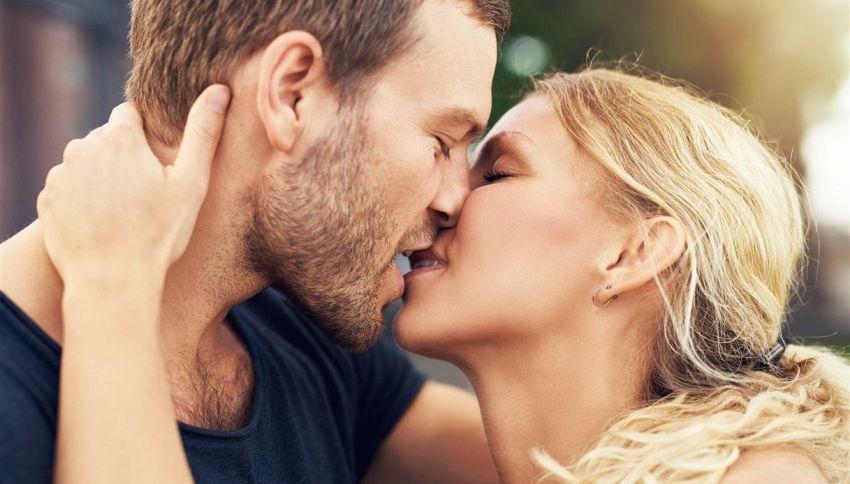 Gli uomini preferiscono le bionde: il motivo sta nel DNA