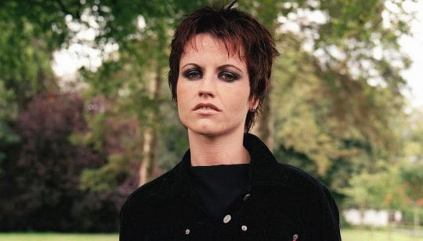 "Il primo brano postumo di Dolores O' Riordan è ""All over now"""