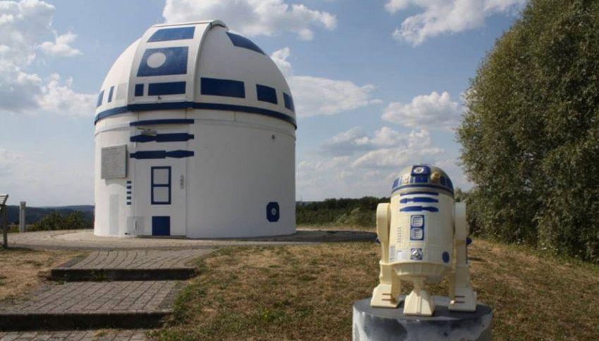 """Il robottino di """"Star Wars"""" diventa un osservatorio per le stelle"""