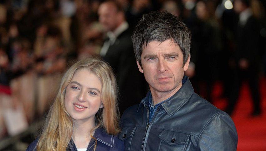 La figlia di Noel Gallagher ricrea un celebre look del padre