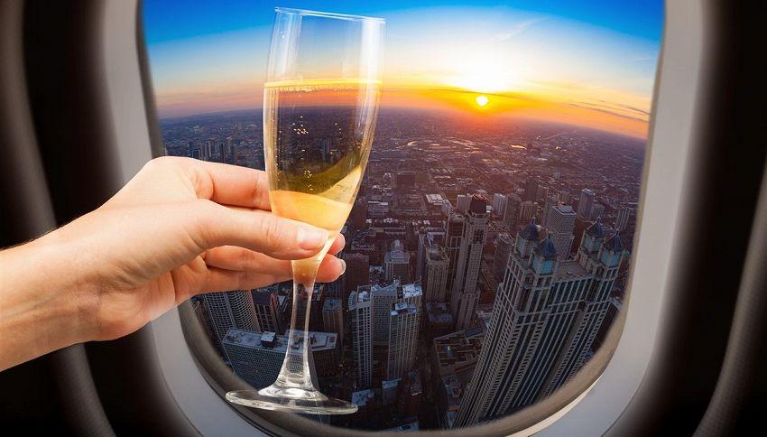 Volo per Dubai, attento a non bere vino in aereo: le conseguenze