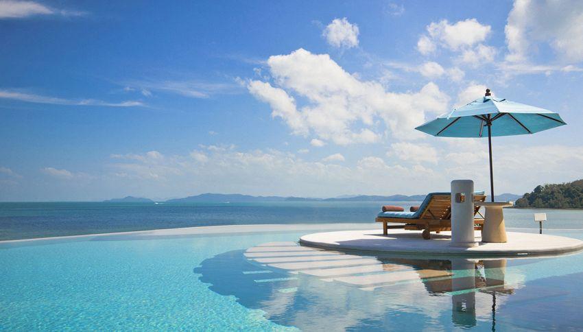 Il lavoro estivo ideale: 9mila € per stare in piscina in hotel