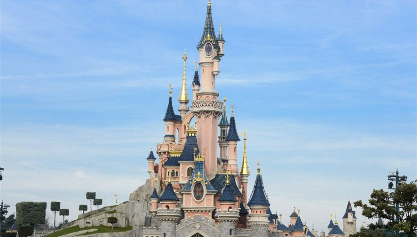 Disneyland Paris, gli adulti pagano come i bambini quest'estate
