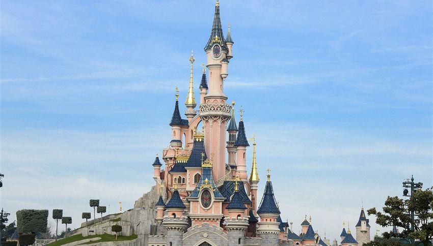 Disneyland Paris, gli adulti pagano come i bambini quest'estate