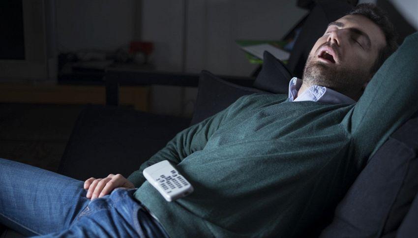 Se lasci la tv accesa mentre dormi ingrasserai #lodicelascienza