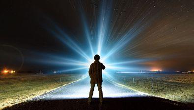 A Luglio verremo contattati dagli extraterrestri: la profezia