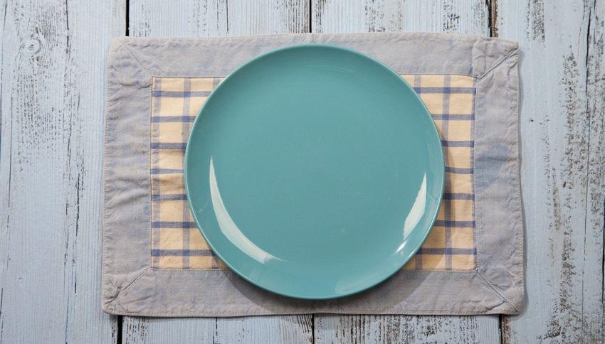 Vuoi dimagrire? Mangia in piatti di colore blu #lodicelascienza