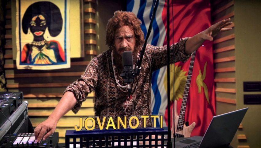 """Crozza imita Jovanotti: """"Porto il funky sulla barriera corallina"""""""