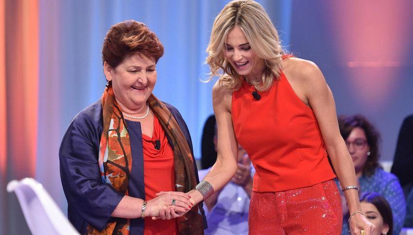 La Ministra Teresa Bellanova si commuove su Rai1