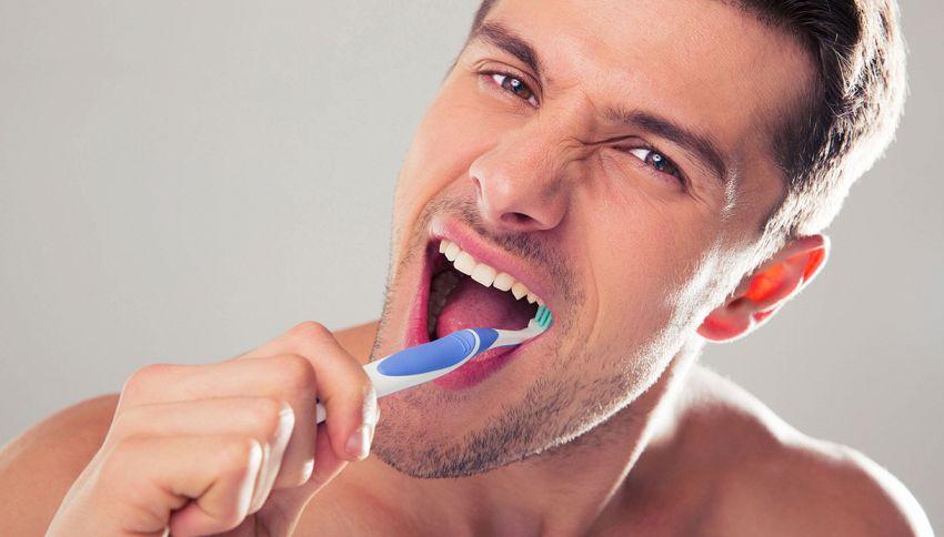 Lavare i denti subito dopo i pasti fa male #lodicelascienza