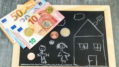 Manovra: arriva la 'carta bimbi'. 440 euro al mese famiglia