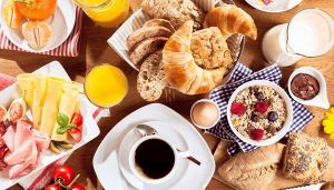 Abitudini che rendono tossica la tua colazione: come evitarle