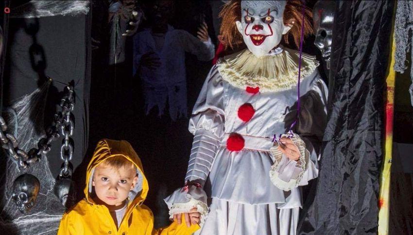 Trasformano la loro casa nel posto più inquietante di Halloween