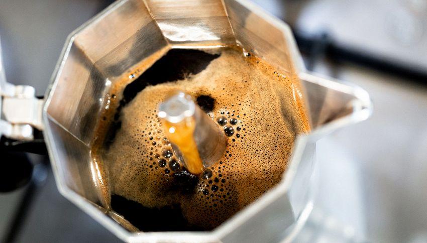 Il caffè non sale nella moka? Ecco il trucco