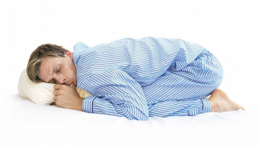 Dormi con le gambe rannicchiate? Fai bene #lodicelascienza