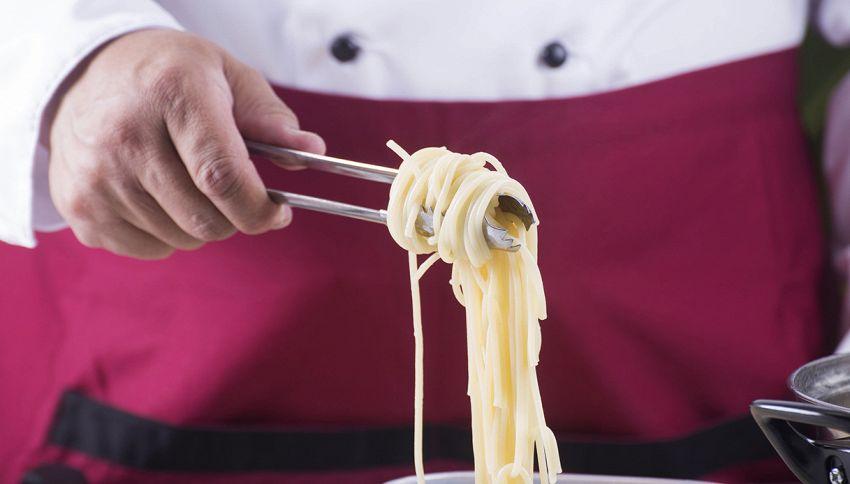 Cuocere la pasta in acqua fredda: il trucco del mestiere