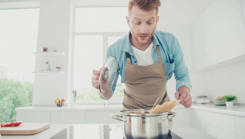 Cuocere la pasta con o senza coperchio? Ecco il trucco da chef