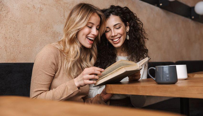Silent Book Club: dove leggere in silenzio, ma insieme ad altri