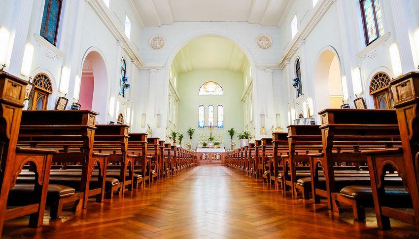 Coronavirus, la Chiesa si adegua e la messa è in streaming