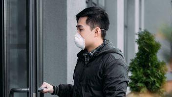 """La lettera di un negoziante cinese: """"Non trattarmi come un virus"""""""