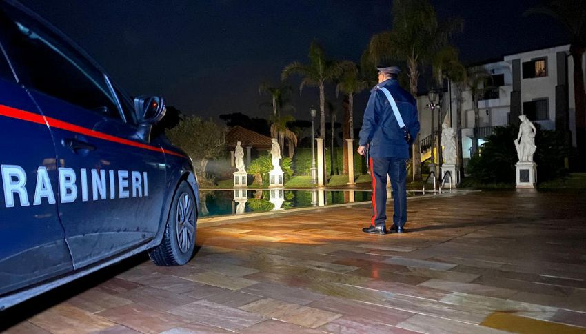 Carabinieri intervengono per un furto, ma era il set di un video