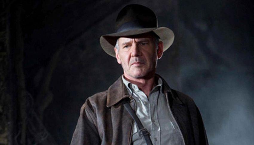 Patrick Schwarzenegger e Elijah Wood commentano 'Indiana Jones'