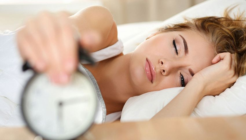 Il cambio dell'ora fa davvero male alla salute?