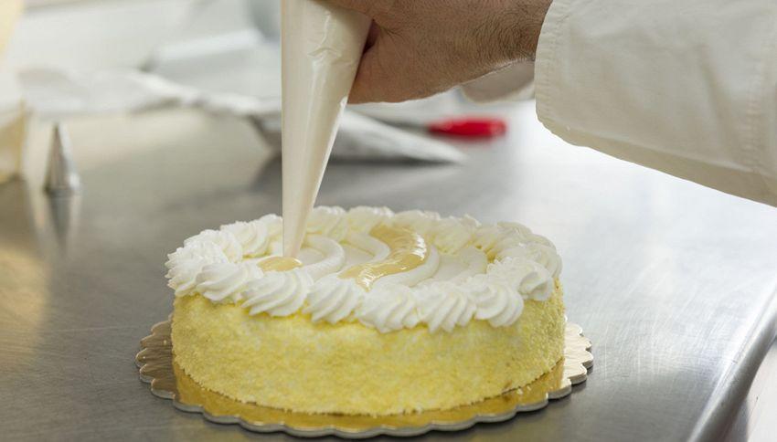 """""""Torta di quarantena"""": fai attenzione prima di mangiarla"""